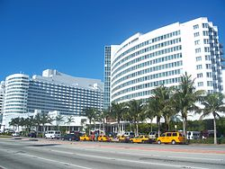 Miami_Beach_FL_Fontainebleau01