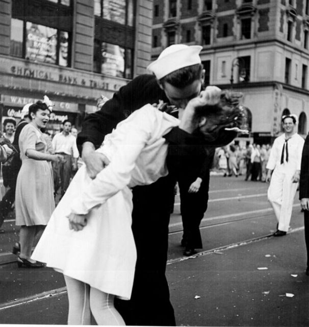kissing_the_war_goodbye.preview