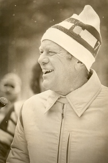 After skiing, President Ford answers questions from reporters. Photo courtesy Colorado Ski and Snowboarding Hall of Fame