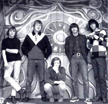 Buffalo Springfield, left to right: Stephen Stills, Dewey Martin, Bruce Palmer, Richie Furay, Neil Young